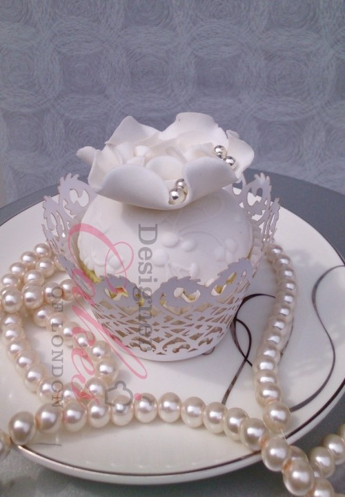 Designer wedding cupcake