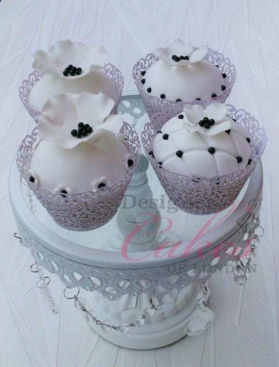Amazing wedding cupcakes