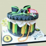 Hat box birthday cake