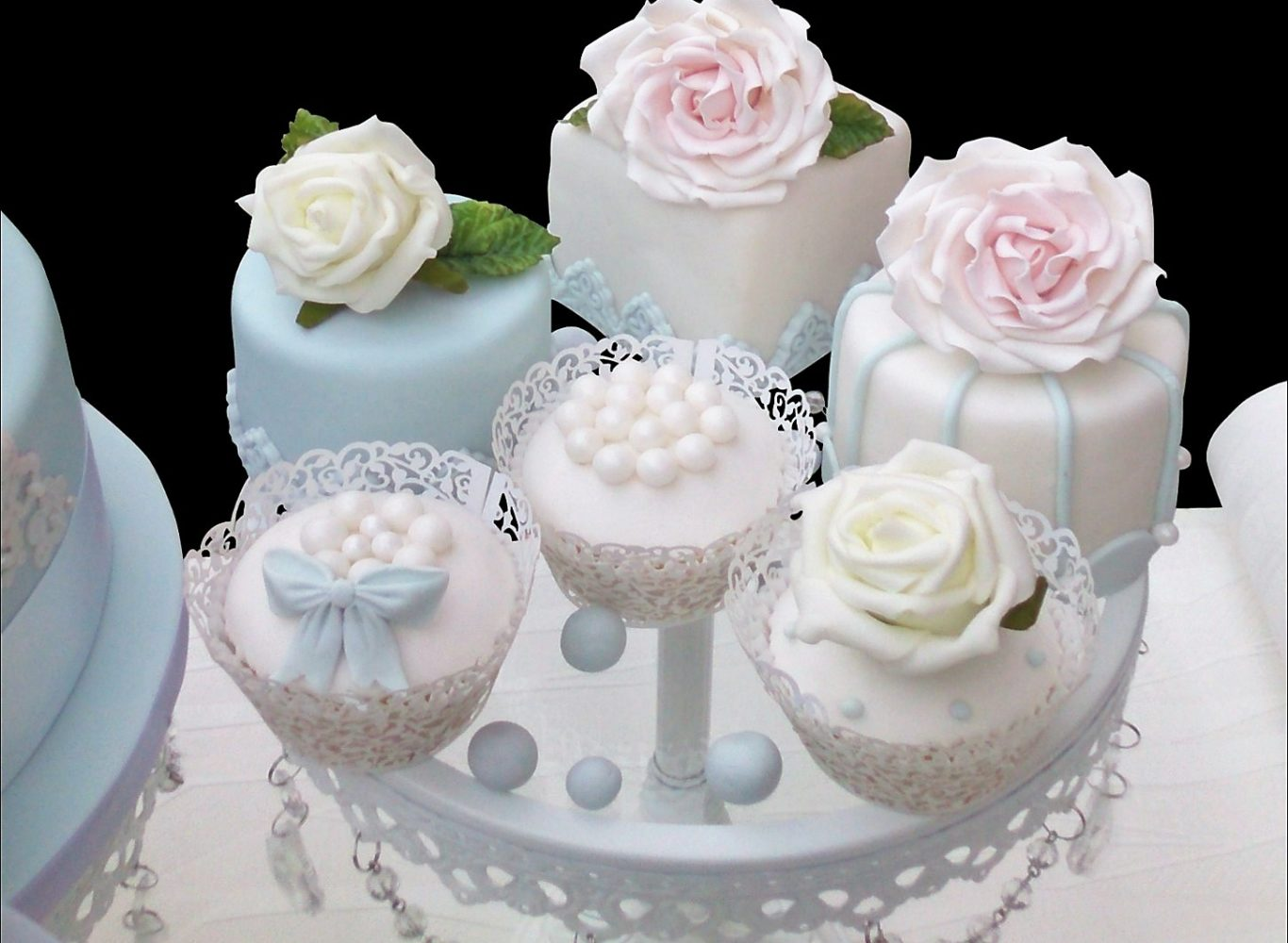 Small Cakes Cup Cakes London Delicious Amp Custom Made